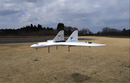 垂直離着陸型の飛行が可能なため、滑走路は不要