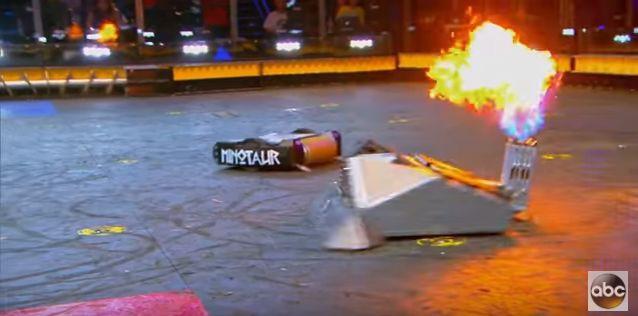 「BattleBots」BlackSmith VS Minotaur