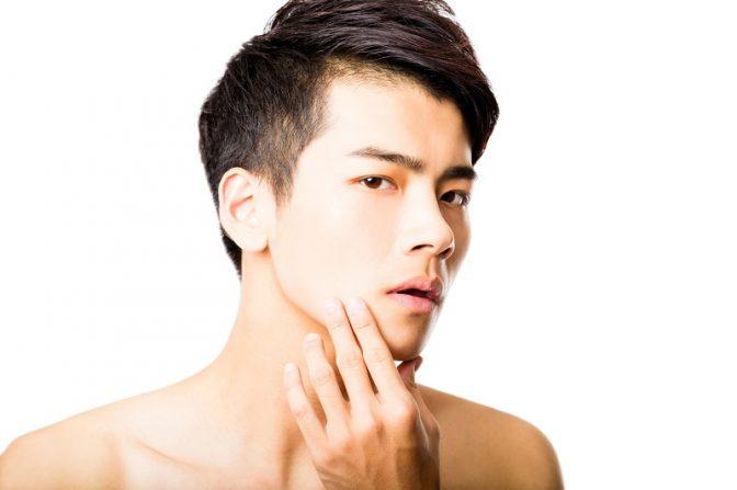 これで顔面偏差値アップ! スプーン一本でできる「男顔筋トレ」