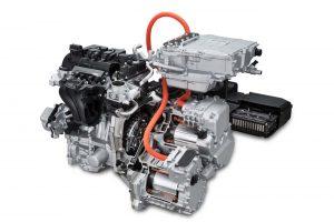 ▲エンジンを発電専用とし、効率の高い回転数で回し続けることで低燃費を実現。ガソリンで走るので充電はいりません。