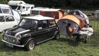 小さな車体の新旧ミニで、オートキャンプを行うことは可能!?