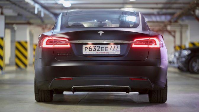 電気自動車「テスラ」は、なぜアメリカで最高評価を受けるのか?