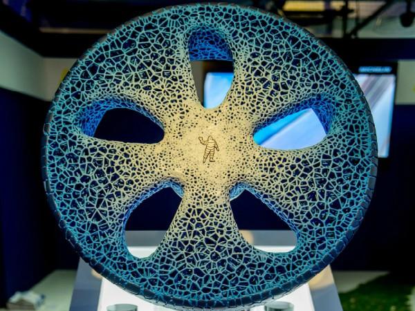 遂にここまできた! 3Dプリンターを使ってバイオ素材からタイヤを生成
