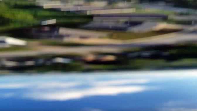 必見! 飛行機から落ちたGalaxyS5に録画された臨場感あふれる動画