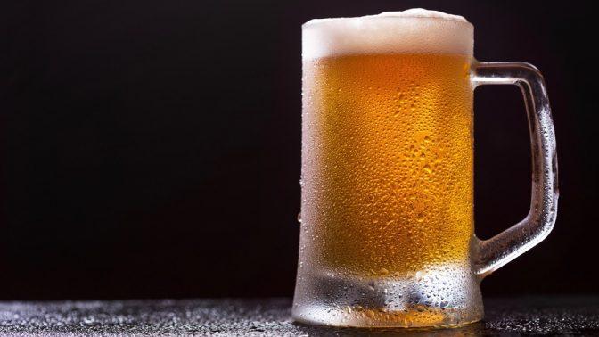 ビールを泡立てるべき理由は美味しいからだけじゃない!!