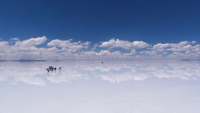 ドローンで撮影してみたウユニ塩湖!まるで鏡のような映像が話題に