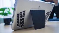 iPadの背中にキーボード