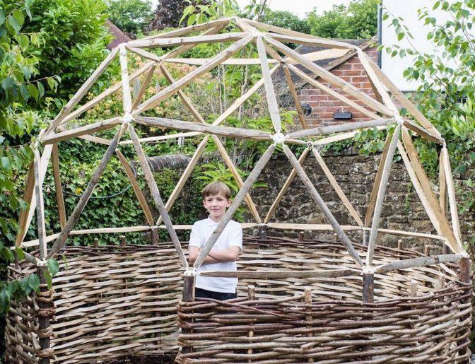 子供のころ夢見た秘密基地! 本格的なドームを簡単に作れるキット