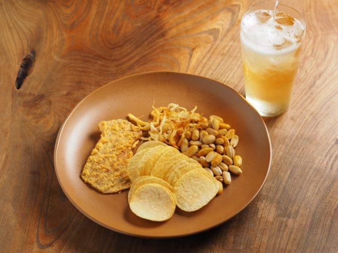【のんべえ必見】10分で作れる燻製ポテチがお酒に合いすぎる