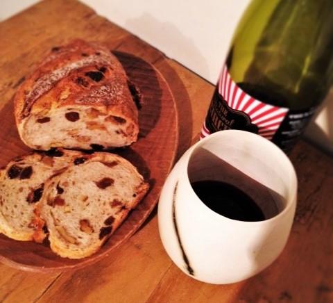 【ボジョレー解禁】パンと楽しむ