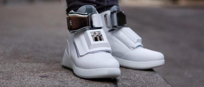 テレビが見られる靴