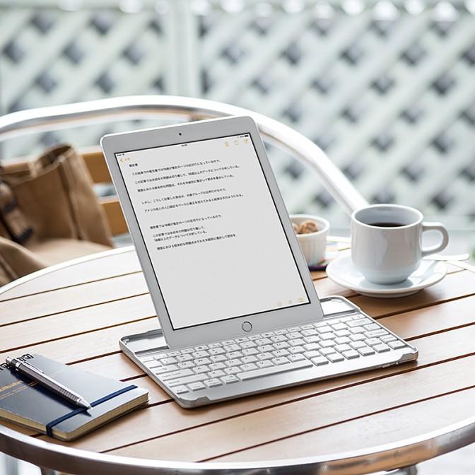 純正品ぽい iPadキーボード