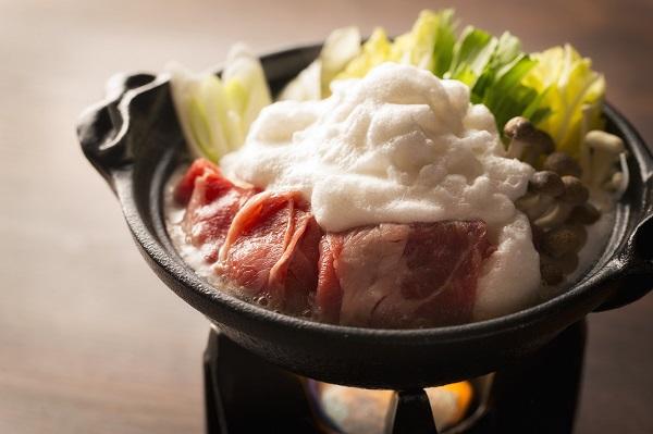 八甲田雪見鍋/ショーレストラン「みちのく祭りや」