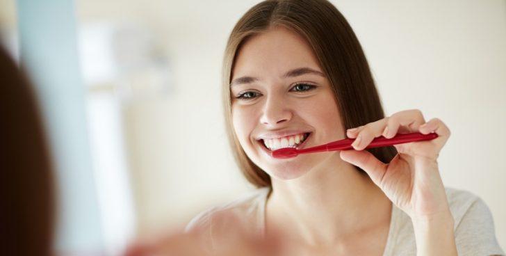食べてすぐの歯磨きは万病のもと