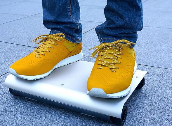 《持ち運べる車?》世界最小A4サイズの電気自動車WalkCarとは?