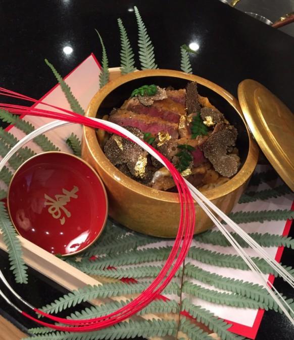 10食限定 2万円のかつ丼