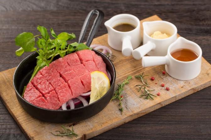 新鮮馬肉の『生』ステーキ
