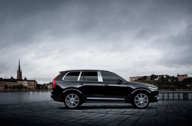 XC90 T8 Twin Engine AWD Excellence(以下XC90 Excellence)