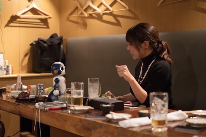 飲みニケーションロボット席