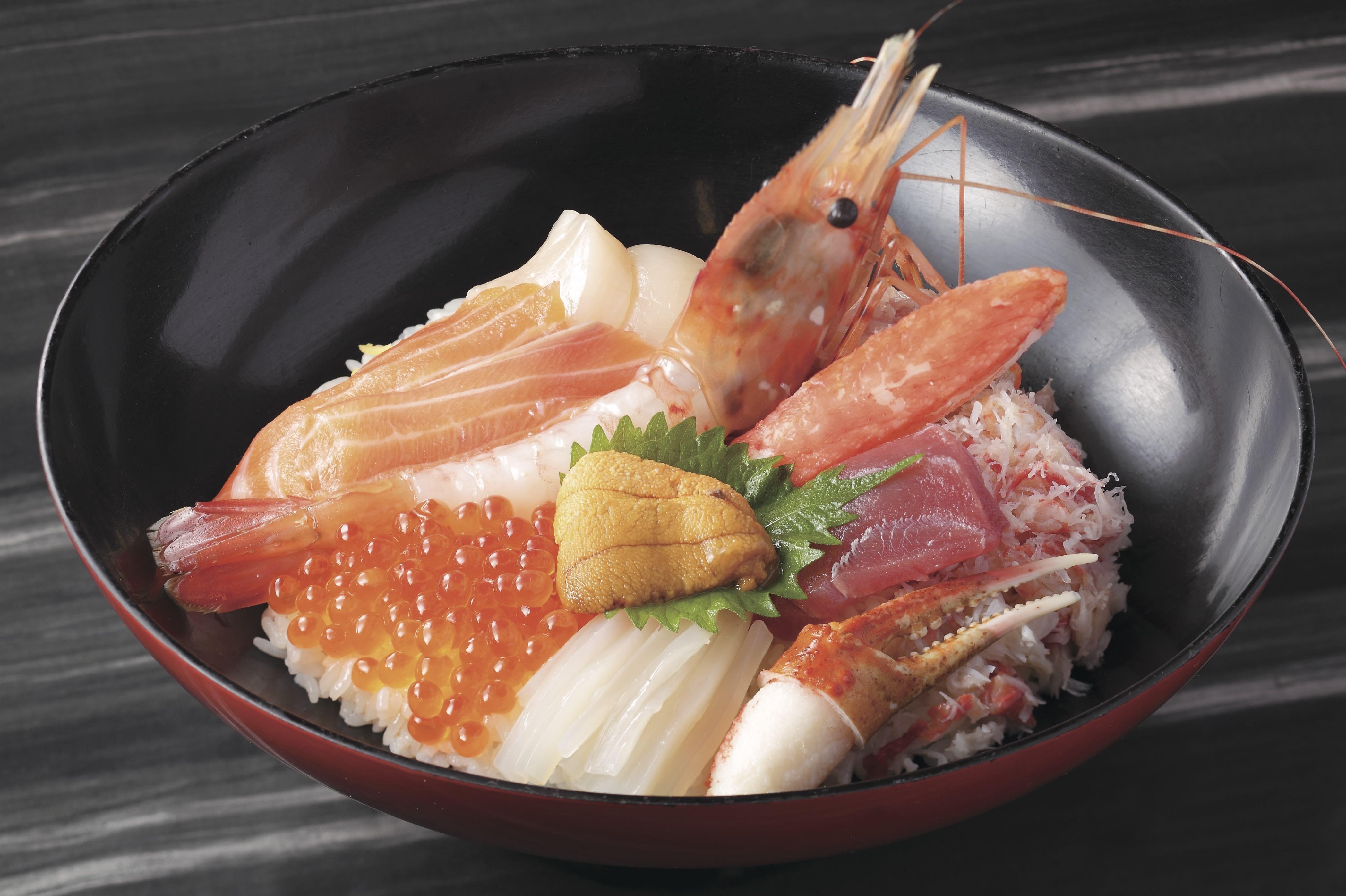 海鮮ぜいたく丼