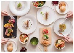 京都風にアレンジした創作フレンチなど8種類の料理が食べ放題!