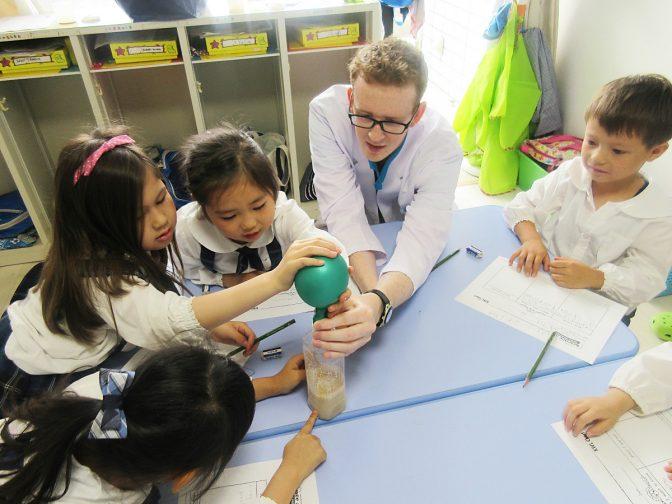 子供が新時代を生き抜くカギとなる、世界が注目のSTEM教育とは?