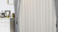 このカーテンには蚊もカテン