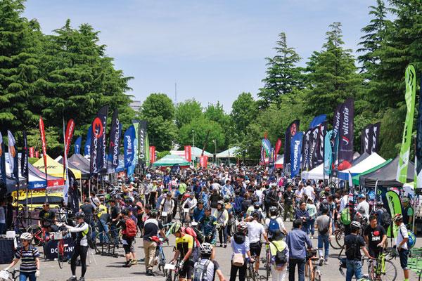 ロードバイクの乗り比べイベント開催。大阪・東京