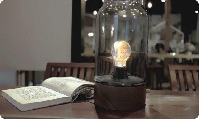 巨匠ジャクソン・ポロックに着想を得た電球がまるでアート作品のよう