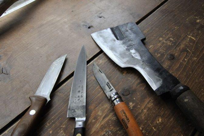 A-suke流「アウトドア ダンディズム」#05:ナイフって何でこんなに値段が違うの?