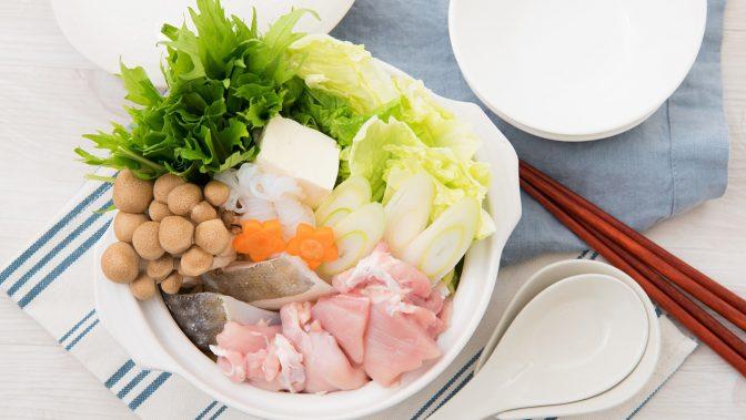 お鍋の人気野菜ランキング、白菜を抑えて◯◯が第1位に