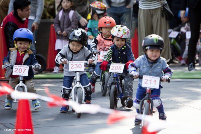 勝っても負けてもわが子が主役!! 東京・青山でストライダー大会が開催