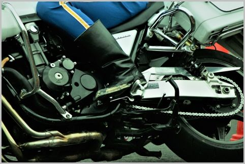 警察には覆面バイクも存在する!? 意外と知らない交通機動隊の役割一覧