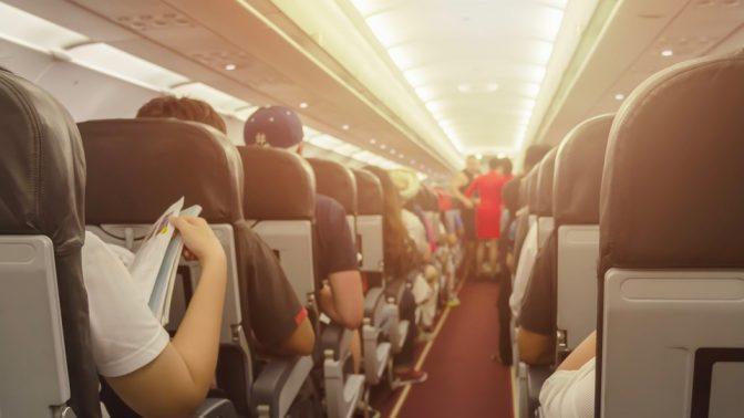 こんな席には要注意! 飛行機で選んではいけない座席の見極め方