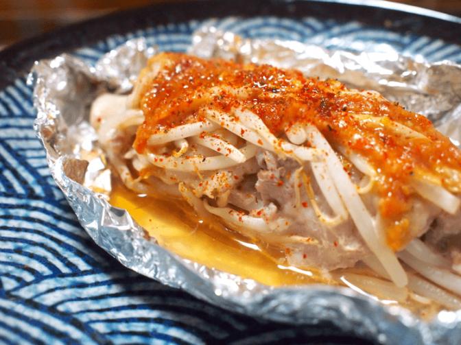 蒸すだけの簡単おつまみ。ピリ辛こってり「辛味噌の豚バラ蒸し」